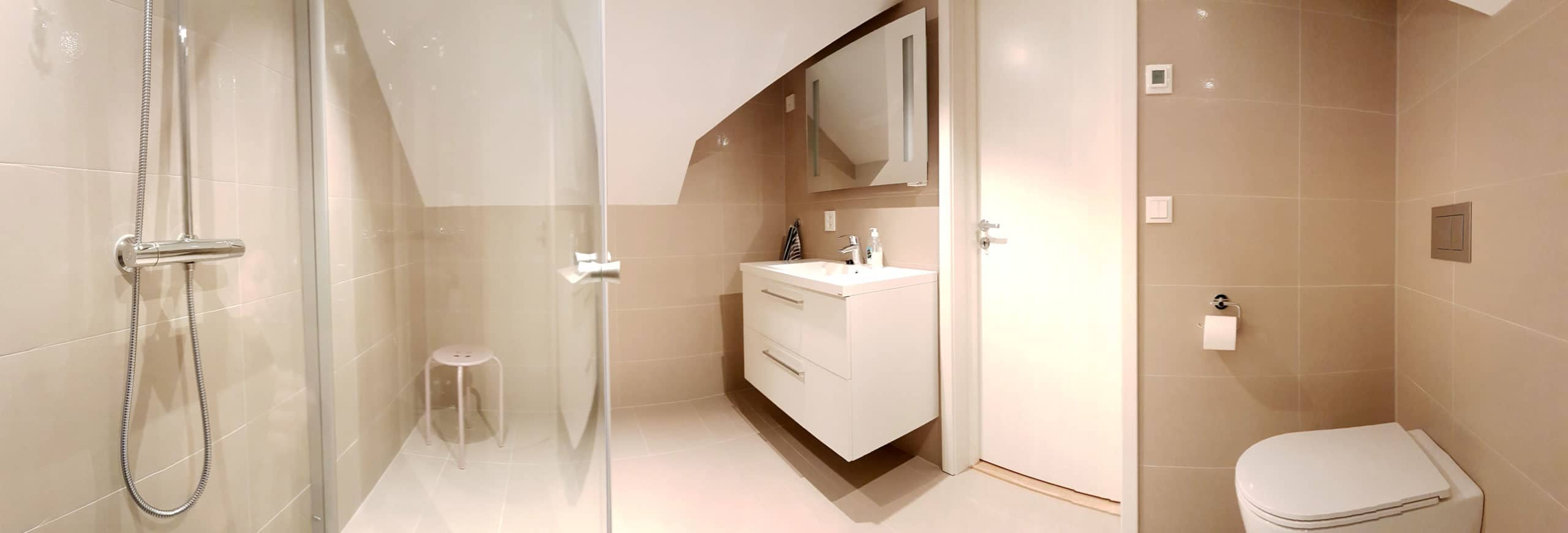 SanSelcabin Bathroom 2nd floor